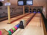 Bowling club 4D, U Hájovny 112, Mělník – 4 dráhy UV, šňůrové stavěče Vollmer, scoring Qubica, rok výstavby 2001