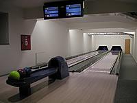 Sportovní areály Studénka, Budovatelská 770, Studénka – 2 dráhy UV s manuálním bumersystémem, šňůrové stavěče Vollmer, scoring Qubica s řídícím PC, rok výstavby 2004