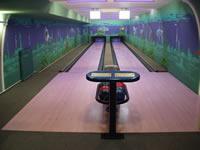 Bowling Lázně Aurora, Lázeňská 1001, Třeboň – 2 dráhy UV, šňůrové stavěče Vollmer, scoring KBC04W s řídícím PC, rok výstavby 2006