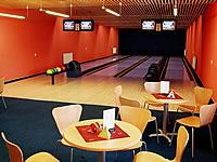 River bowling, Moráňská 134/2, Velké Meziříčí – 4 dráhy UV, šňůrové stavěče Vollmer, scoring Qubica s řídícím PC, rok výstavby 2003
