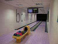 Bowling – Squash centrum, Havlíčkova 19,Vyškov – 4 dráhy UV, šňůrové stavěče Vollmer, scoring KBC04 - DOS, rok výstavby 2002