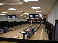 Bowling hotelu Windsor, Okružní 13, Špindlerův Mlýn – 4 dráhy UV, šňůrové stavěče Vollmer, scoring Qubica s řídícím PC, rok výstavby 2002