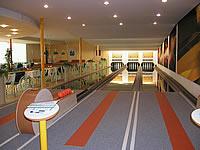 Hotel Centro, Husova 8, Hustopeče – sportovní kuželna, 3 segmentové dráhy, stavěče Vollmer, rok výstavby 2002